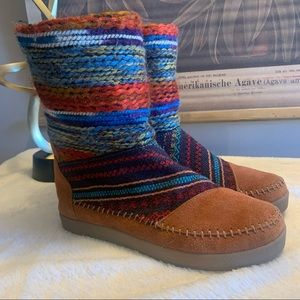 Toms Nepal Boots w/ Back Zipper
